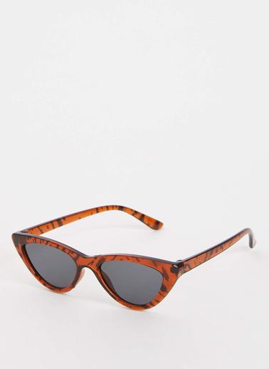 DeFacto Cat Eye Güneş Gözlüğü Renkli